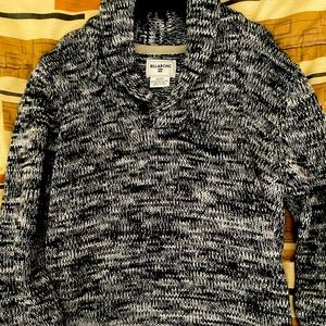 Large Billabong vneck sweater great condition